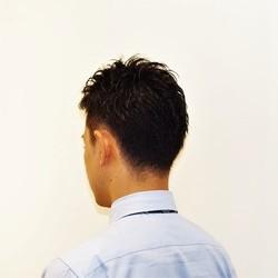 男らしさと遊び心のカジュアルヘアーのサムネイル